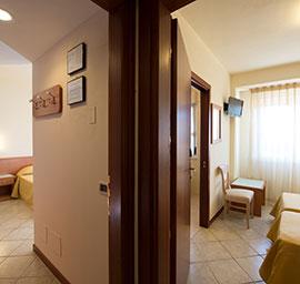 Camere comunicanti hotel nuova sabrina, hotel a marina di pietrasanta, hotel in versilia
