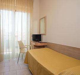 camera singola hotel nuova sabrina, hotel a marina di pietrasanta, hotel in versilia