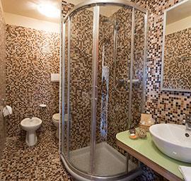 doccia hotel nuova sabrina, hotel a marina di pietrasanta, hotel in versilia