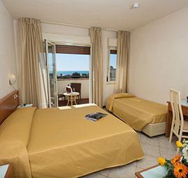 Camera tripla hotel nuova sabrina, hotel a marina di pietrasanta, hotel in versilia